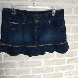 Vintage women's Lei denim skirt size 11/12